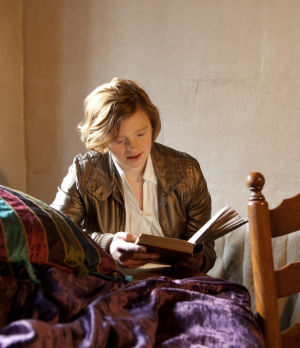 """Sarah Gordy in """"After Vermeer"""" by Richard Bailey"""