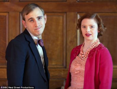 Sarah Gordy and Colin Young in Call the Midwife