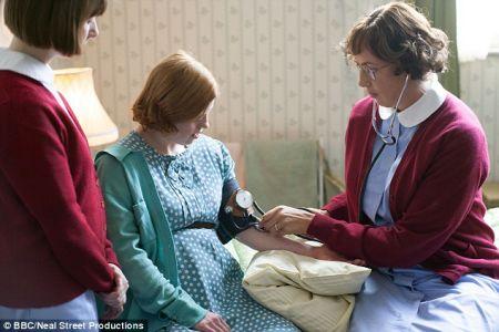Sarah Gordy and Miranda Hart in Call the Midwife